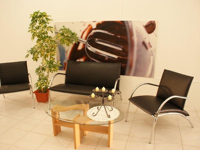 Seating (8)